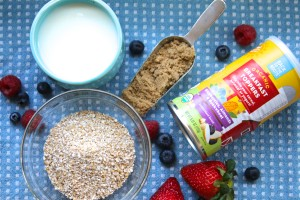 breakfast porridge healthy oats fruit toppers berries nuts milk honey recipe
