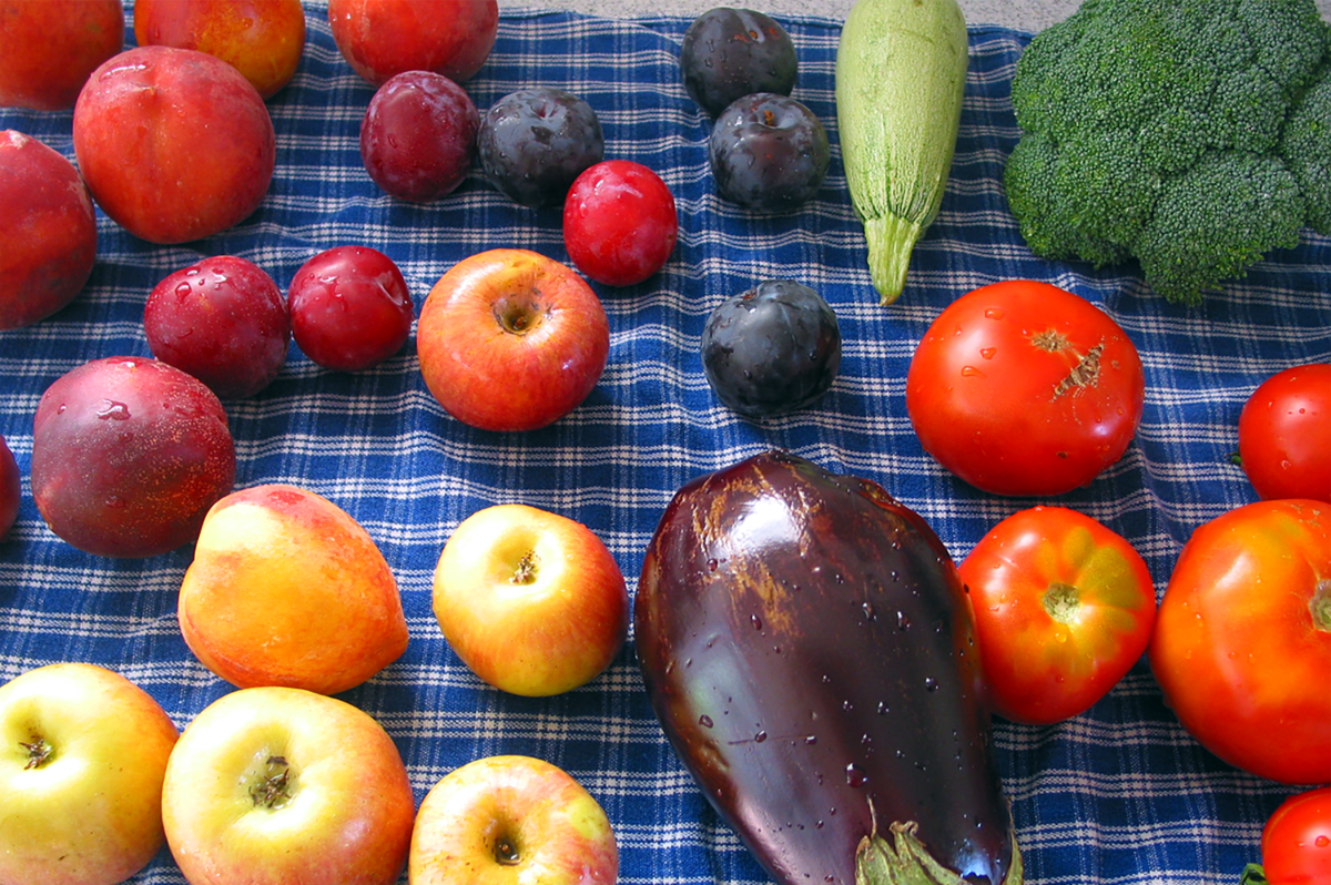 1200px-fruits_veggies-copyresize